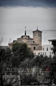 Fotógrafo profesional en la ciudad de Toledo. Trabajamos tanto en estudio como en exterior. Bodas, comuniones, bautizos, conferencias, arquitectura, publicidad...